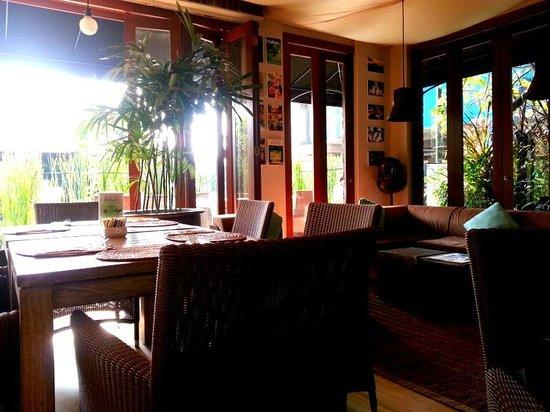 The Dipan Resort Petitenget : Dining