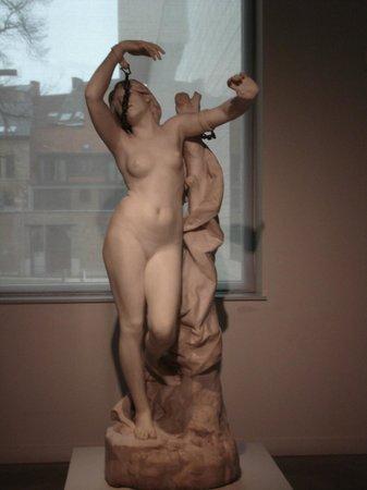 M - Museum Leuven : beautiful statue