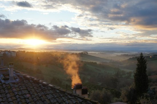Hotel Santa Caterina: Sunrise from our room