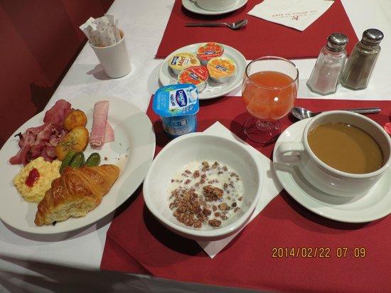 Normandy Hotel: 朝食