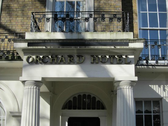 Orchard Hotel: hotel benaming