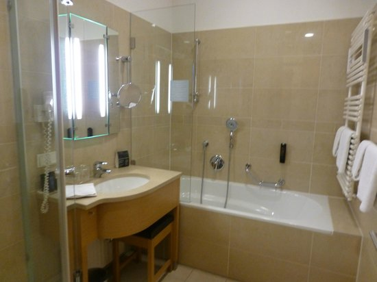 Hotel Am Stephansplatz: Bathroom