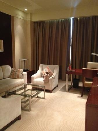 Clarion Hotel Tianjin : 清潔感ある部屋で快適でした
