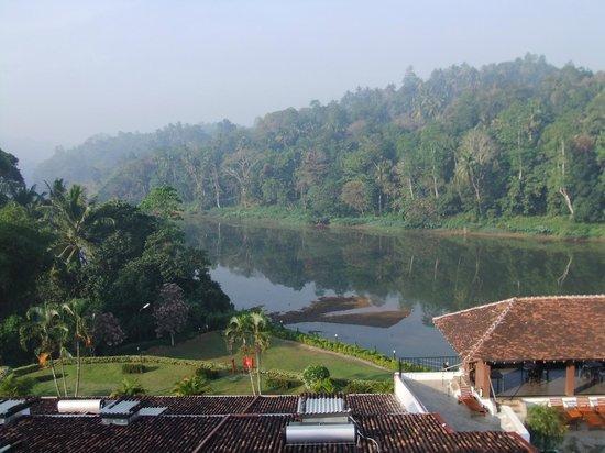Cinnamon Citadel Kandy: The view