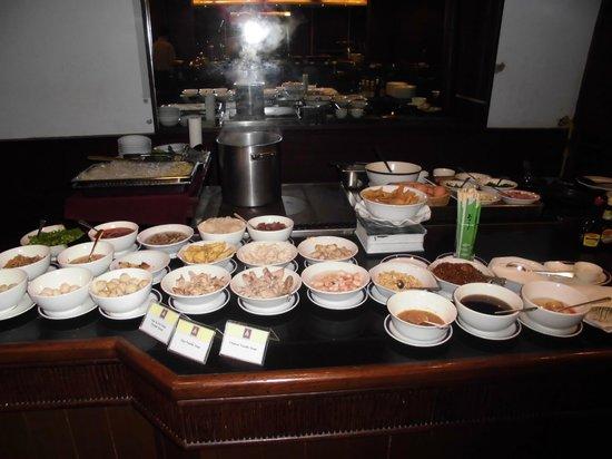 The Kandawgyi Palace Hotel: Teil des Frühstücksbufetts im Kandawgyi Palace Hotel