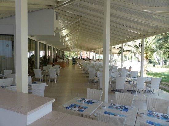 Louis Zante Beach: Main restaurant.