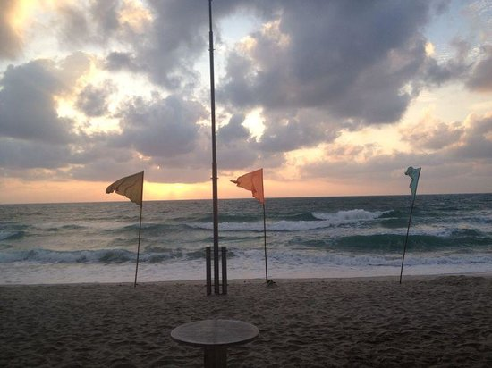 Orchid Residence Samui: Chaweng Beach at Sunrise