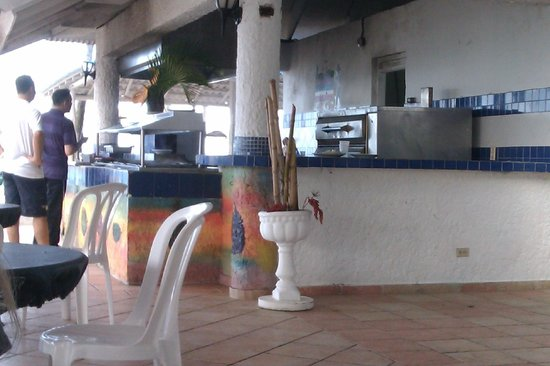 Hotel Beach House Playa Dorada : Bar à la plage