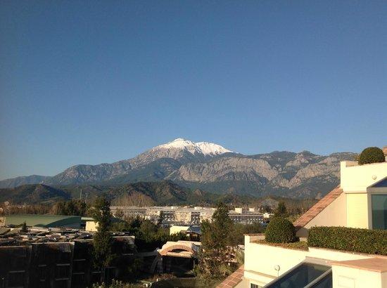 Limak Limra Hotel : uitzicht op de bergen