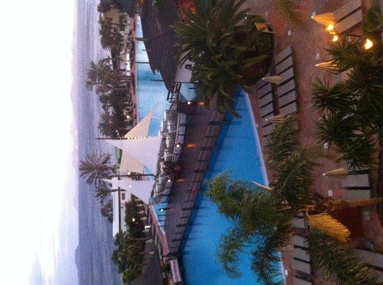 H10 Rubicon Palace: pool view