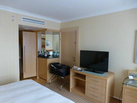 Hilton Vienna: Bedroom (on exec floor)