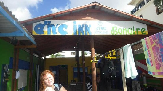 The Dive Inn : Club entrance