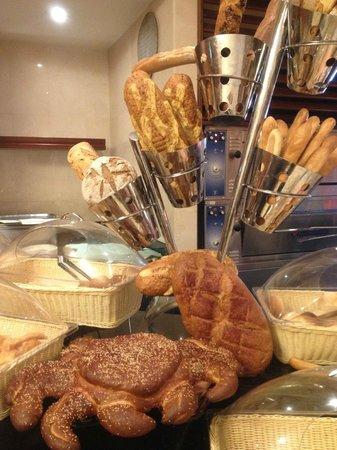 Makkah Hilton Hotel: Cute little crab at the breakfast