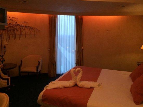 Slaapkamer Royal Suite - Picture of De Koperen Hoogte, Zwolle ...