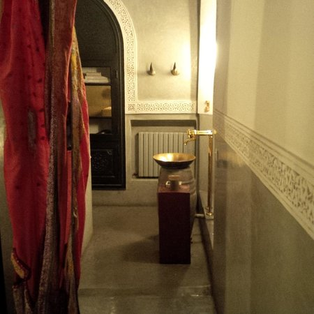 Riad 72 : Bathroom in the Lile room