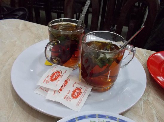 Abu Shukri : sage tea