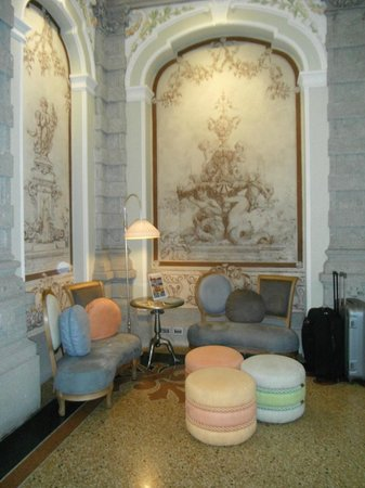 Chateau Monfort : Lobby