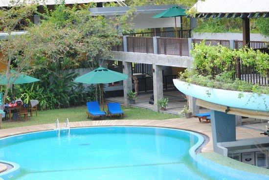 The Grand Udawalawe Safari Resort: The View of the pool