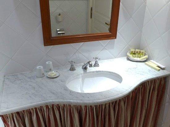 Hôtel Splendid : Le lavabo