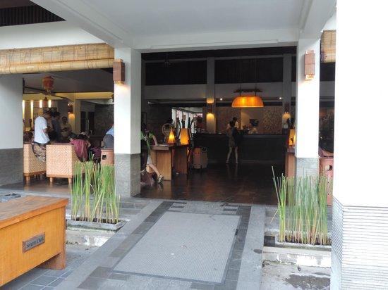 Ramayana Resort & Spa: Entree de l'hotel