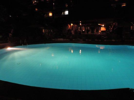 Ramayana Resort & Spa: Piscine