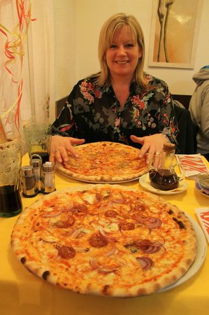 Pizzeria Trattoria all'Anfora: Way too much for me!