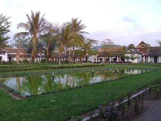 Sofitel Luang Prabang Hotel: Un beau jardin interieur