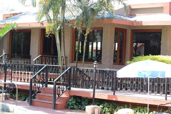 Club Mahindra Thekkady: Restaurant