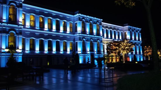 Four Seasons Istanbul at the Bosphorus: Blue!