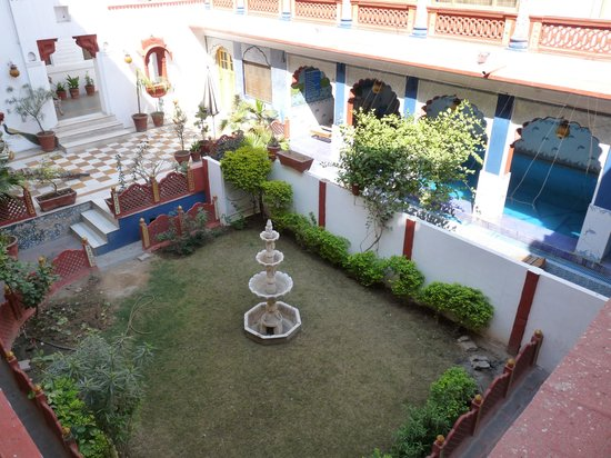 Krishna Prakash Heritage Haveli: Patio intérieur