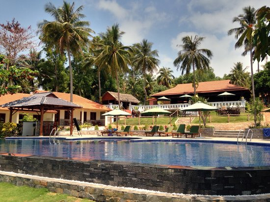 Orig Resort : Swimming Pool and Restaurant