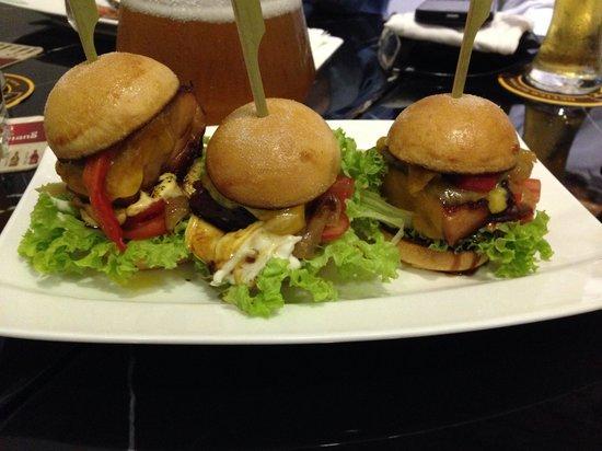 Hotel Kai: Mini Chicken Burger
