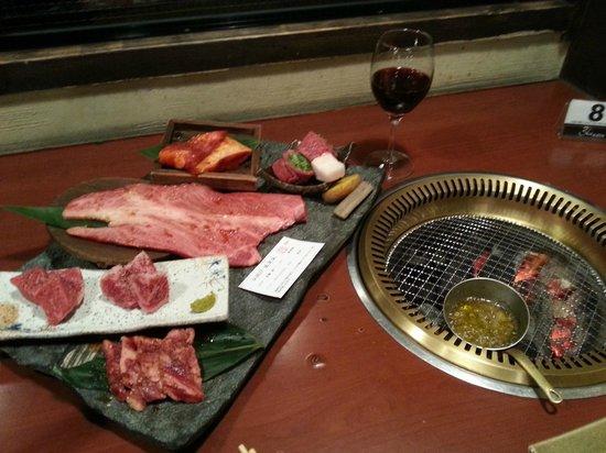 Kyo no Yakinikudokoro Hiro Sembon Sanjo Honten : Set dinner for 2
