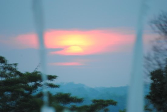 Kahanda Kanda: Sunset from the outdoor Pool