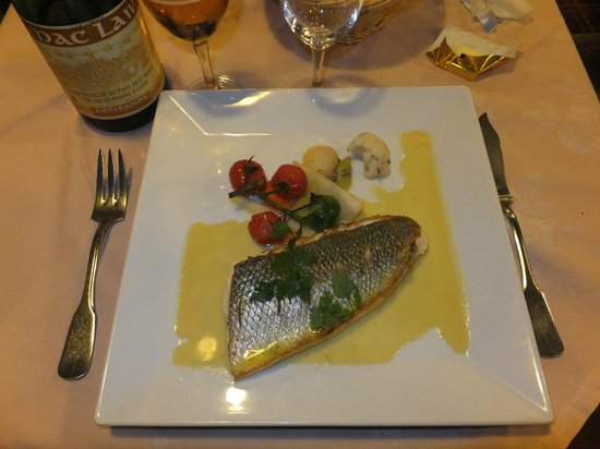 L'Ancrage : スズキのソテー身がふわふわで、魚の旨みを感じます。