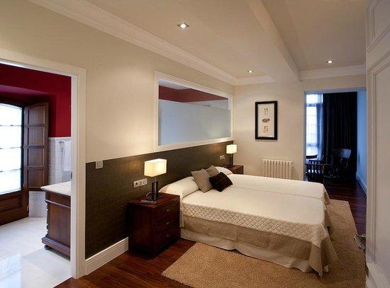 Hotel Rural Casa de Castro: Habitación doble superior con bañera redonda