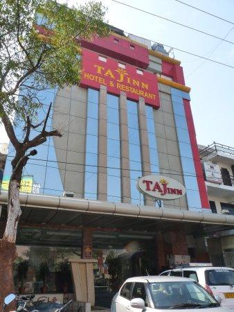 Hotel Taj Inn: Vue extérieure