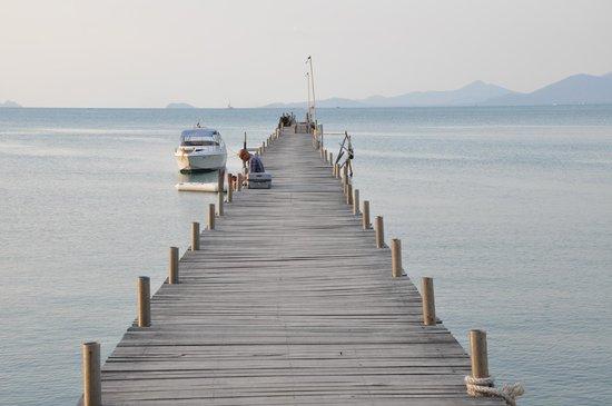 Samui Pier Resort: один из пирсов, от него отходят кораблики на соседние острова