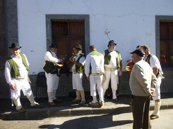 Hotel Rural Fonda de la Tea: The flowering of the almond trees festival in Tejeda Jan'14