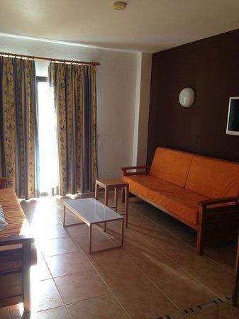 Apartamentos Poniente Playa : Living Room