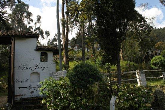 San Jorge Eco-Lodge & Botanical Reserve: Entrance to San Jorge Quito