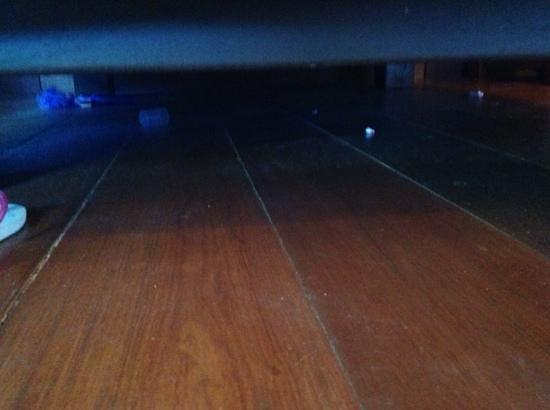 Kata Hi View : sotto il letto