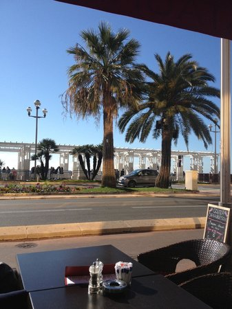 Sarao Restaurant & Bar : Breakfast view from Sarao on the promenade in the sunshine