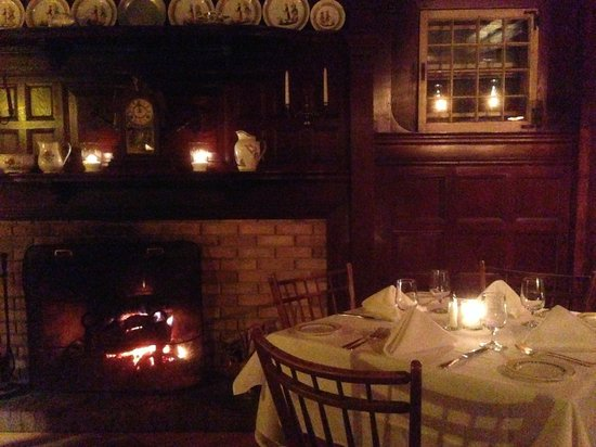 The Mill on the Floss : Cozy French Restaurant