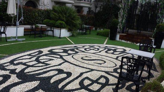 Sura Design Hotel & Suites : Le jardin