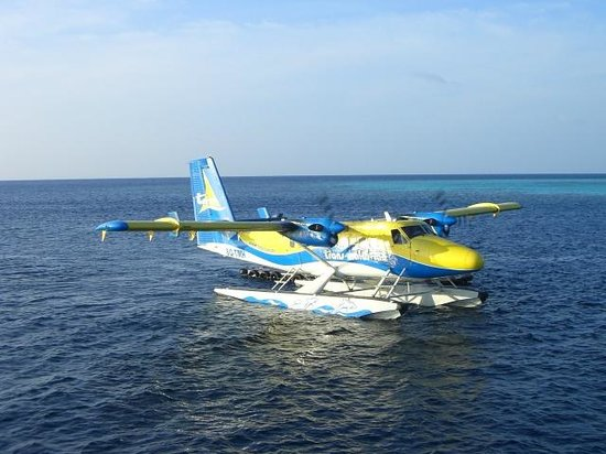 Maafushivaru: Seaplane