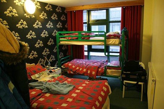Abigails Hostel: Dreibett Zimmer