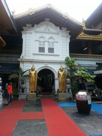 Gangaramaya-Tempel: Гладий Светлана