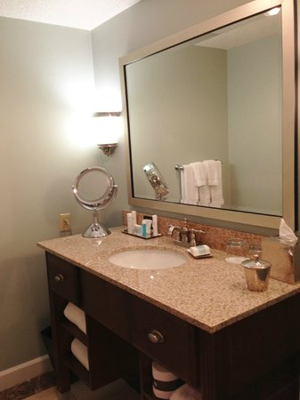 Omni Amelia Island Plantation Resort: renovated bathroom