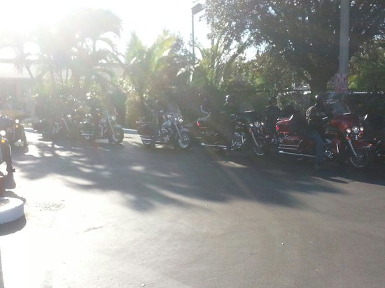 Travelodge Florida City/Homestead/Everglades : Motorcycle group in TRAVELODGE